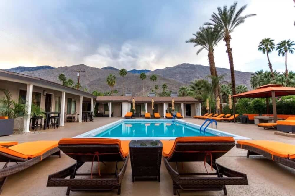Romance in Palm Springs