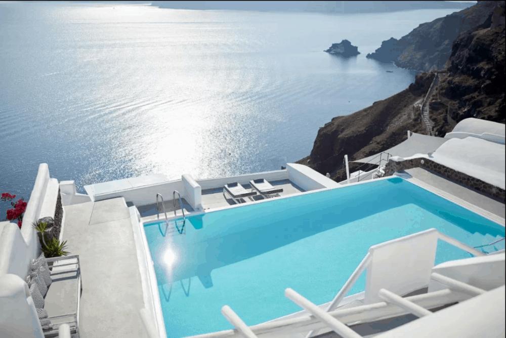 Romantic break Santorini