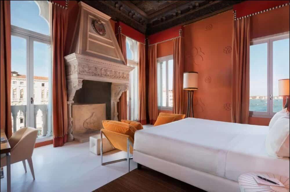 Romantic historic hotels in Venice