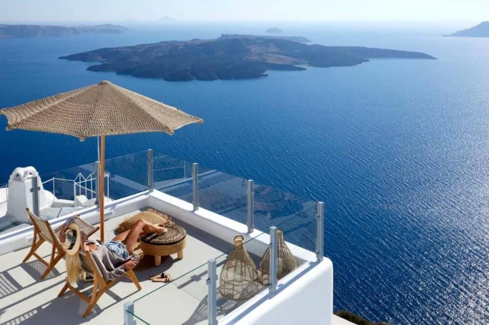 Romantic reviews in Santorini