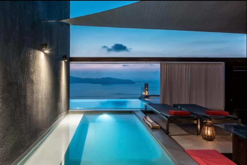 Romantic swimming pool Santorini