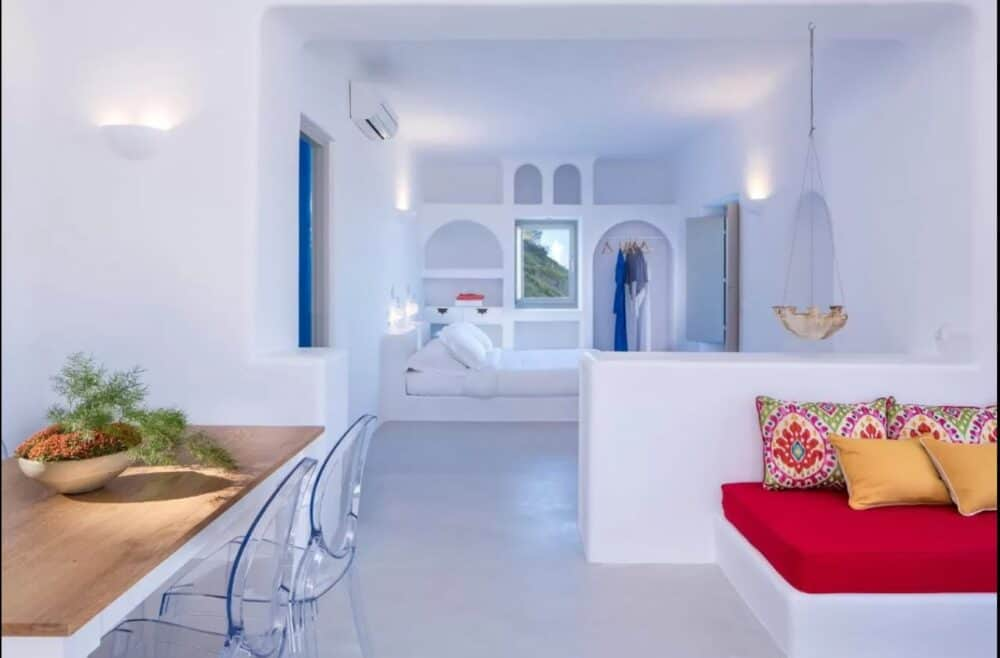 Romantic vacations in Santorini