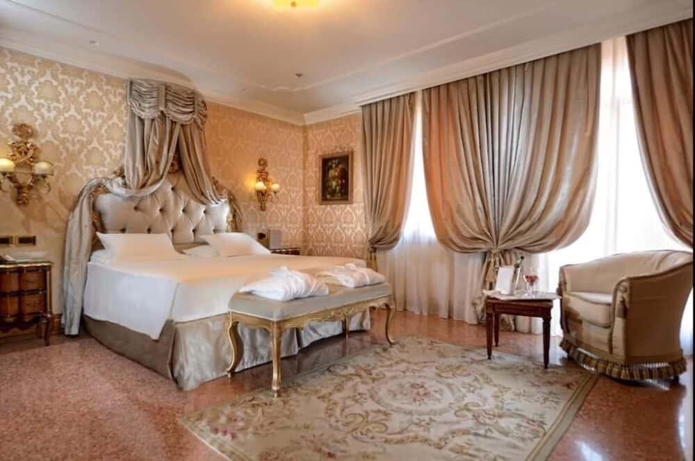 Traditional romantic hotel in Venice
