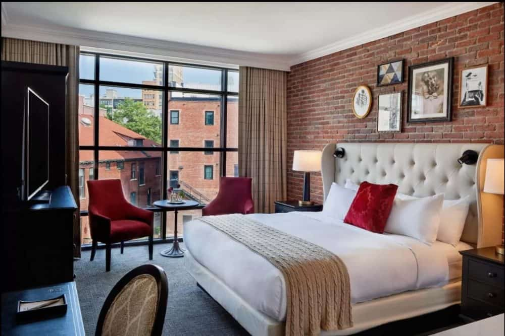 Chic and romantic hotels in Asheville
