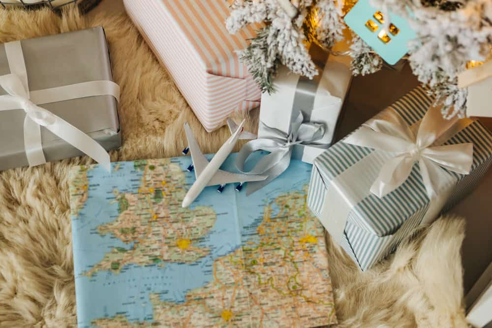 Cool gifts for tech-savvy travelers