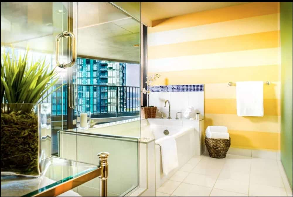 Couples hotels in Vancouver