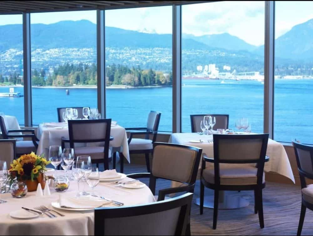 Hotels with romantic views in Vancouver