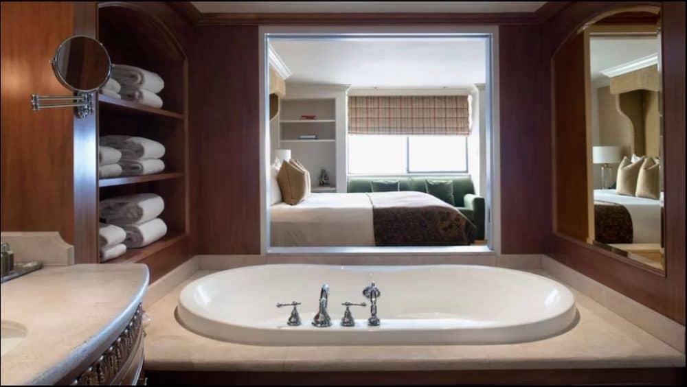 Romantic spa hotel in Vancouver