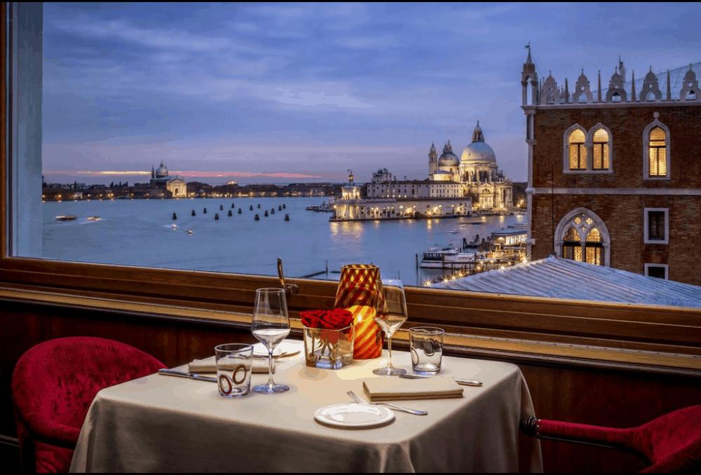 Sexy hotel in Venice