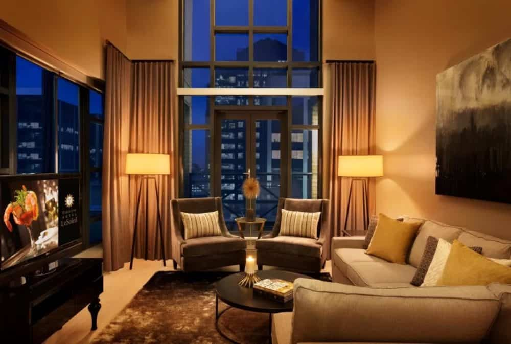 Sleek and romantic hotel in Vancouver