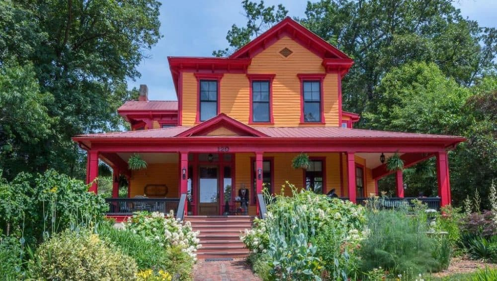 Romantic bed and breakfast Asheville