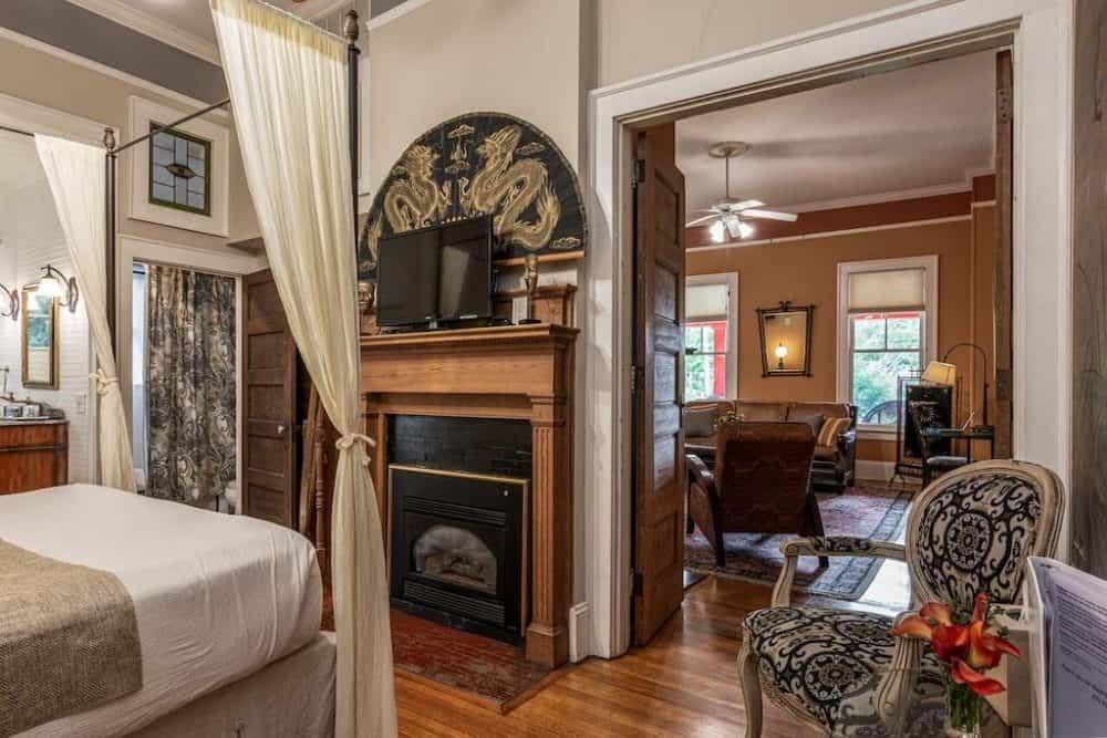 Romantic guest house Asheville