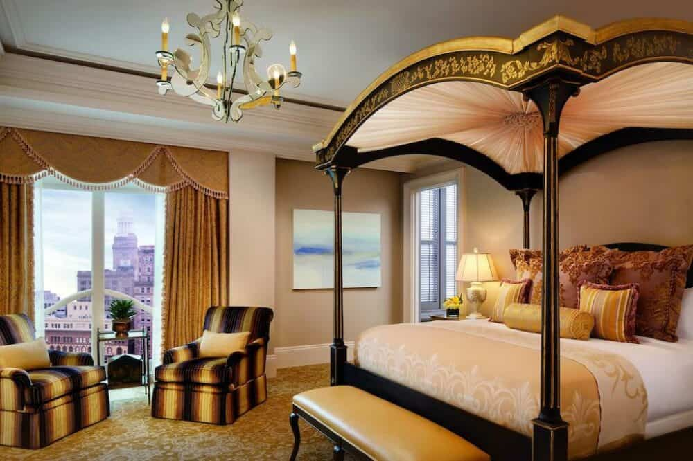 Lux romance in New Orleans