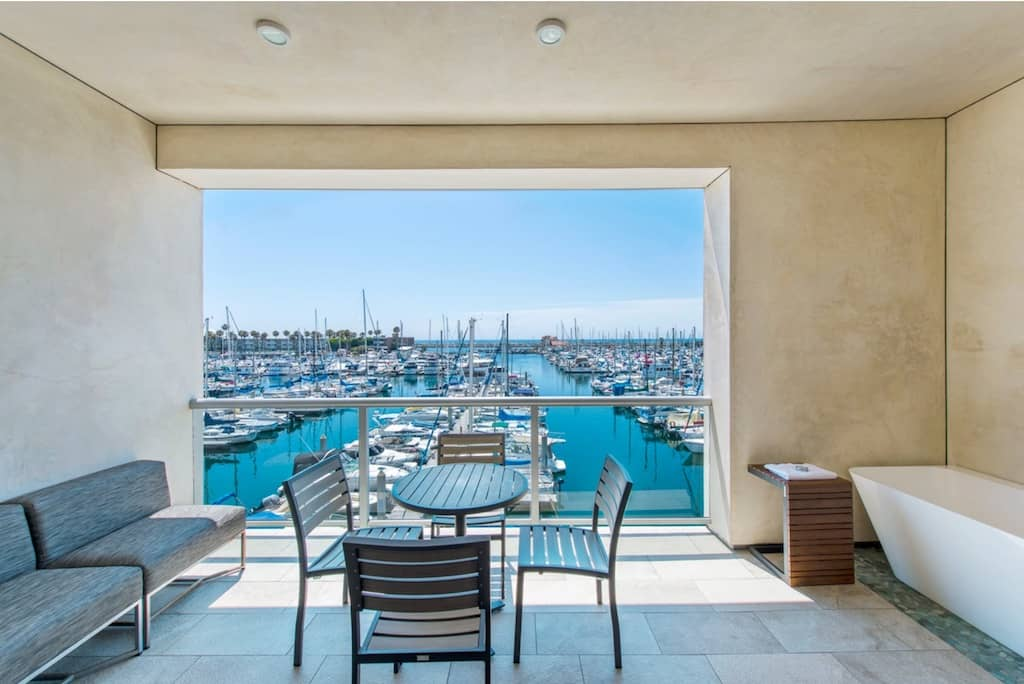 Romantic ocean side hotel Los Angeles