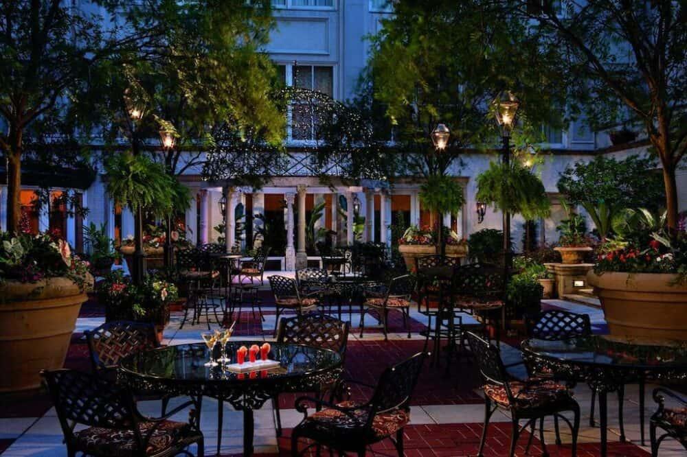 Upscale romance New Orleans
