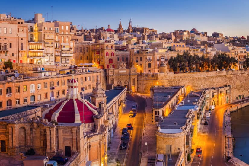 Valletta,,Malta,-,The,Traditional,Houses,And,Walls,Of,Valletta,