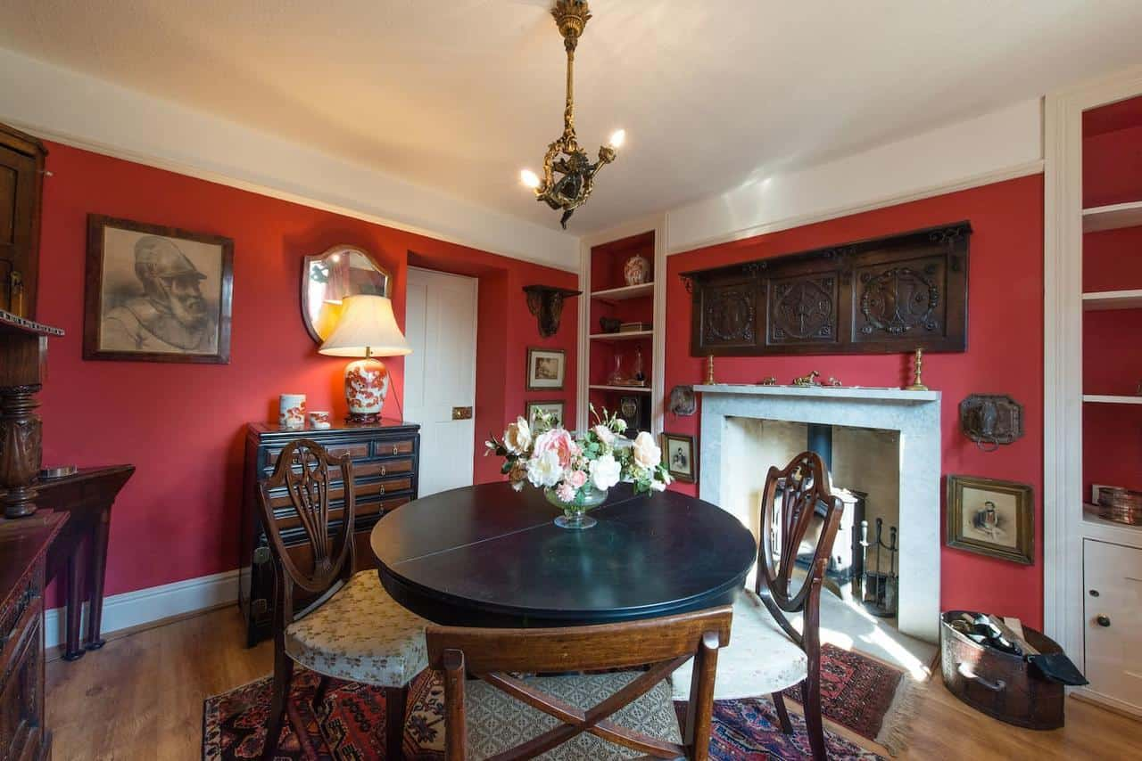 Cottage for hire in Bath
