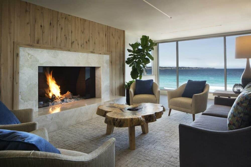 Cozy hotel in Monterey