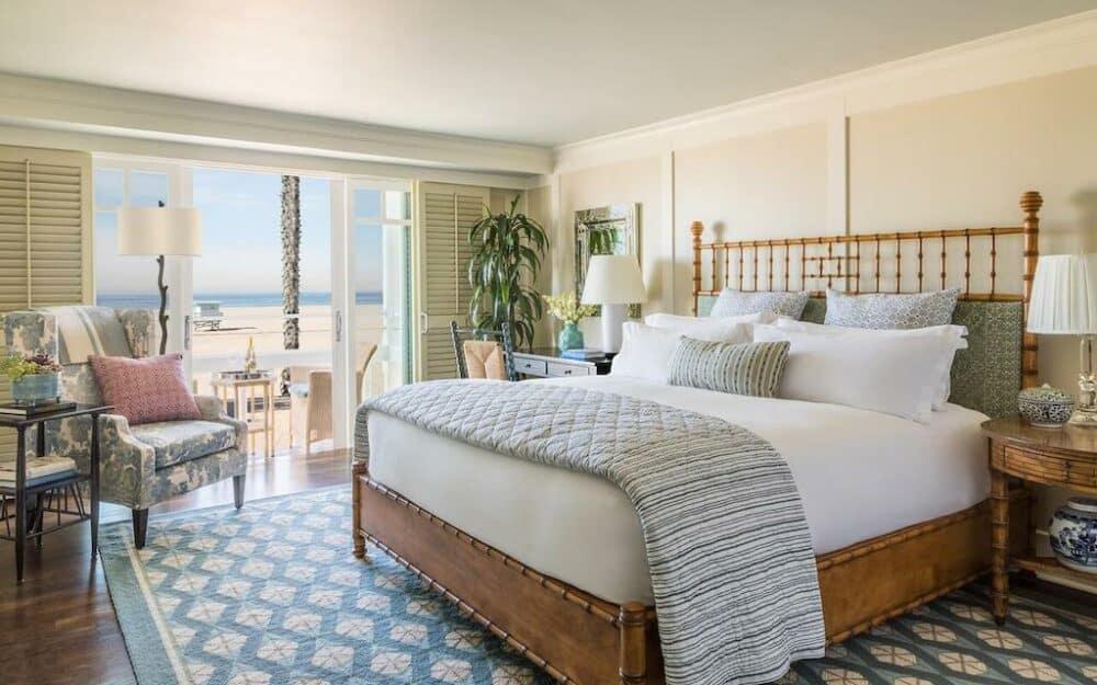 Romantic accommodation