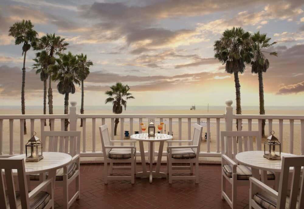 Romantic vacation in Los Angeles