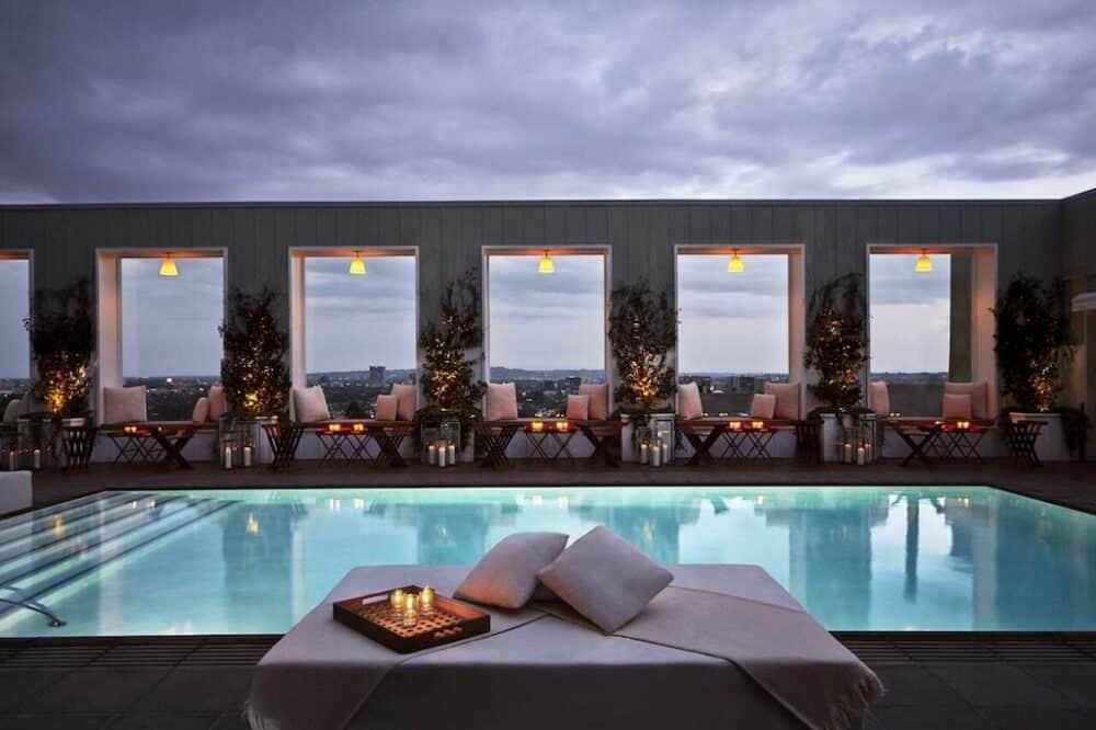 Upscale romantic hotel LA