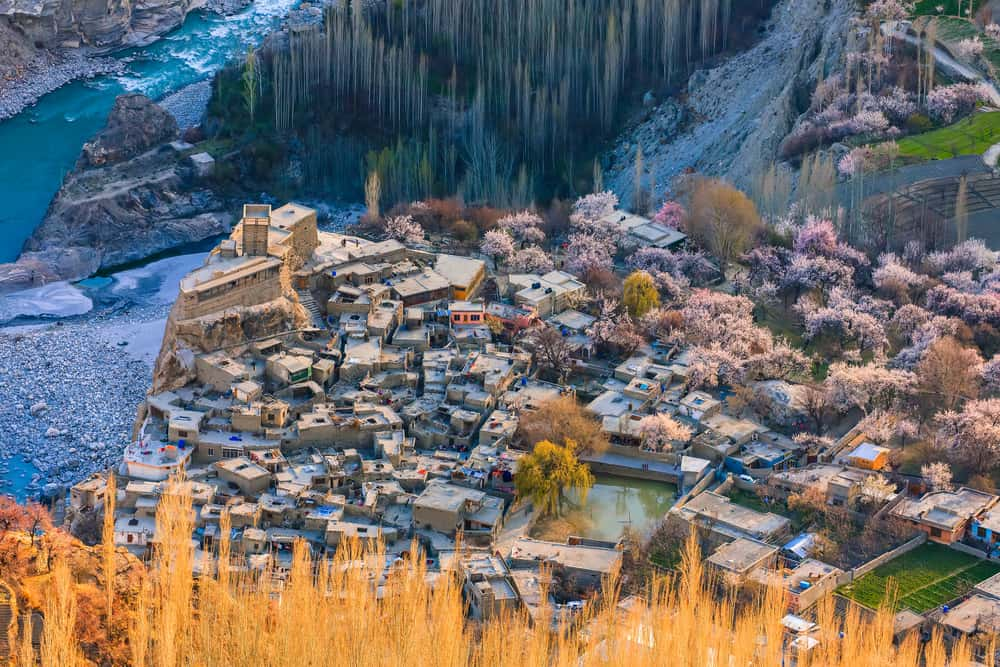 Hunza - best places to visit in Pakistan