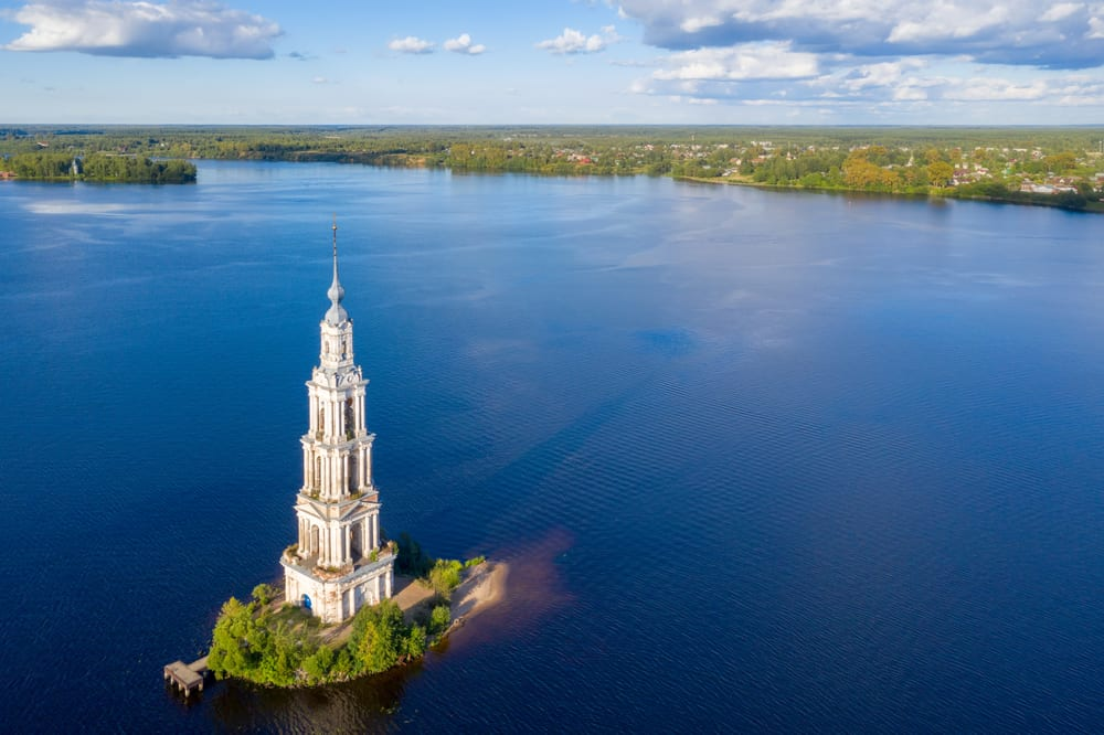 Kalyazin - beautiful submerged cities