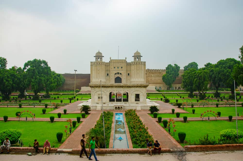 Lahore Fort - best places to visit in Pakistan