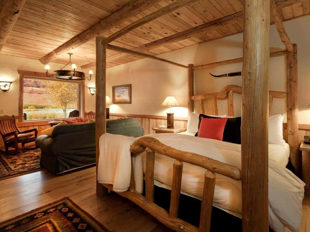 Romantic lodge Utah