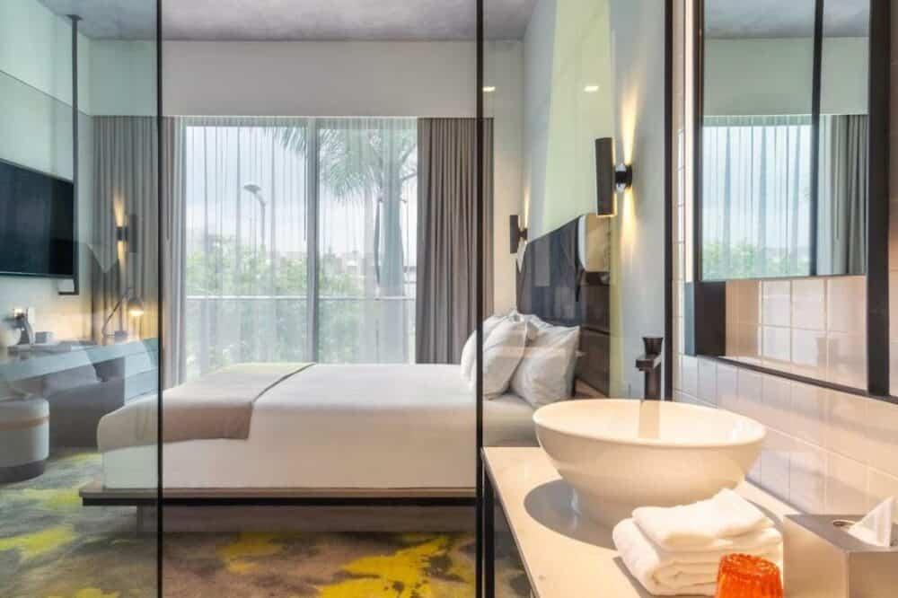 Romantic hotel in Miami