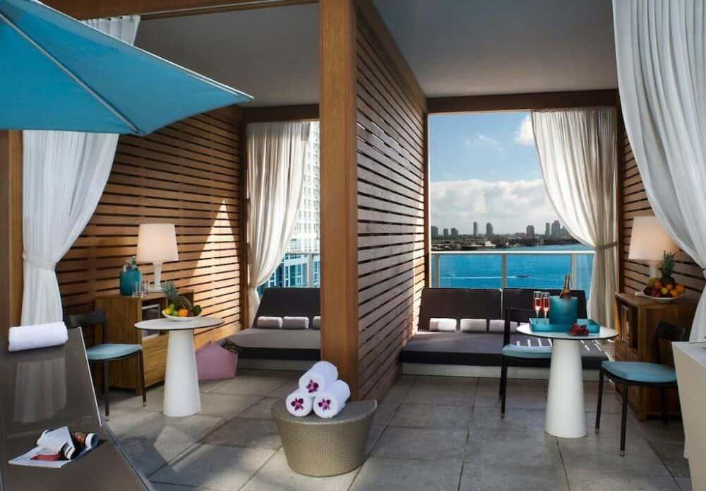 Romantic spa hotel in Miami
