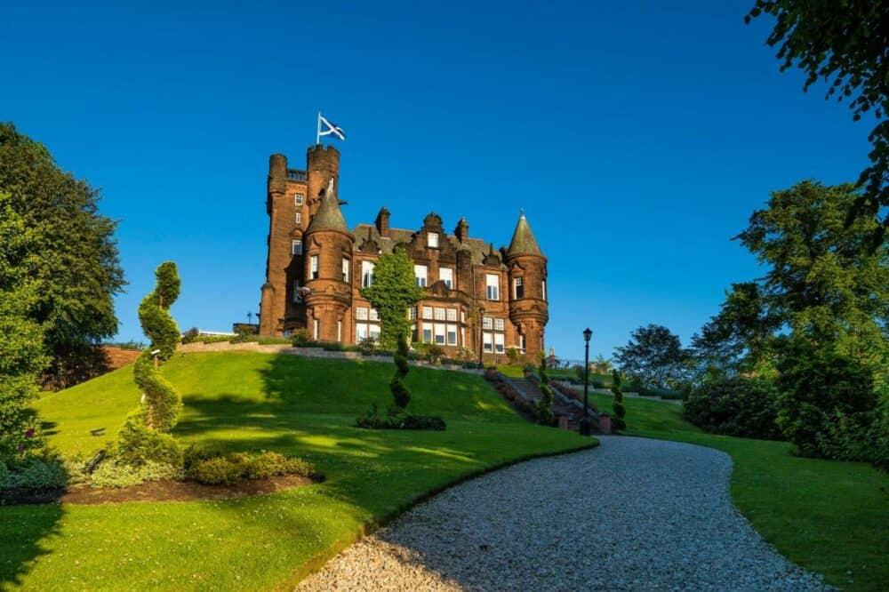 Castle hotel in Glasgow