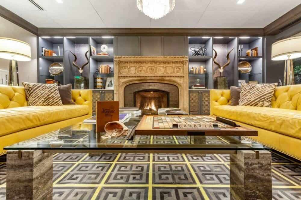 Chic upscale hotel in Houston