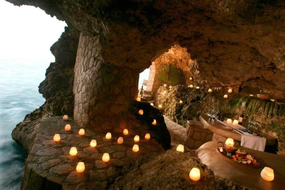 Cave Hotel in Jamaica