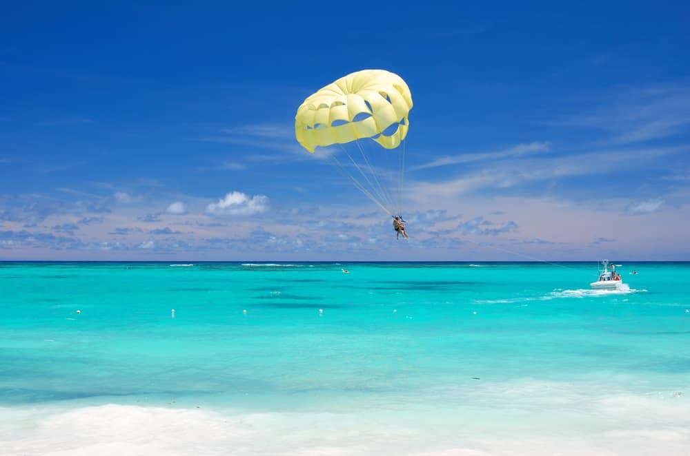 Parasailing Tour Bahamas