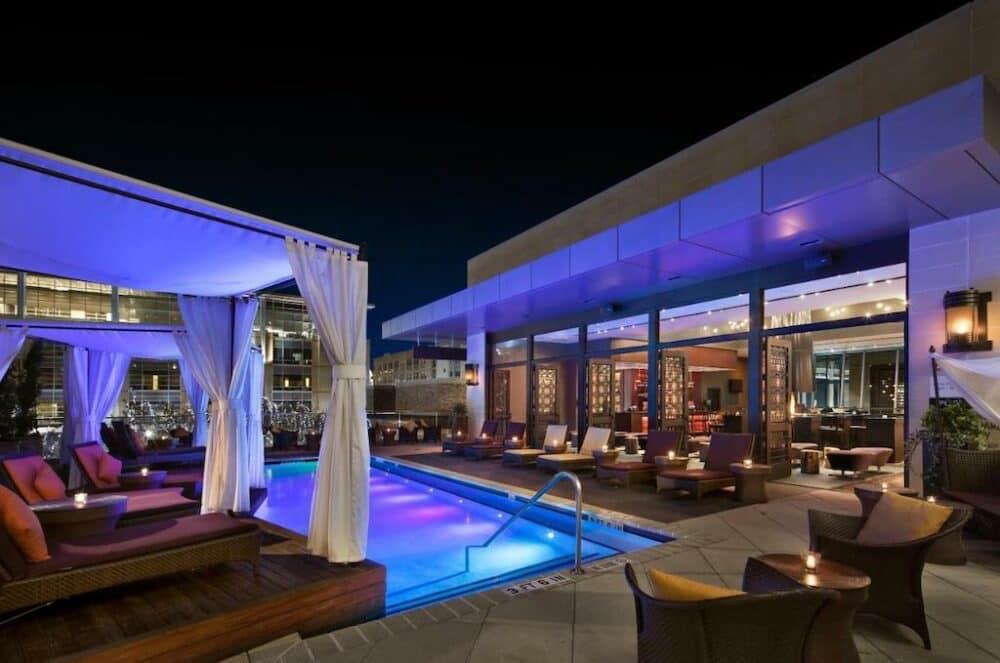 Trendy hotel in Houston