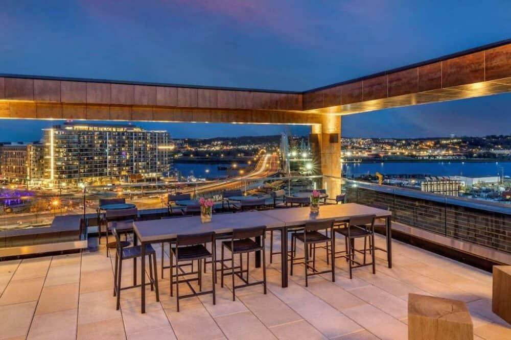 Modern hotel in Washington DC